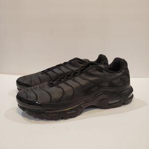 Nike Shoes | Nike Aj22900 Size Us 13